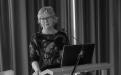 Kristín Ingólfsdóttir, rektor Háskóla Íslands, ávarpar gest við úthlutun úr Eggertssjóði 2015.